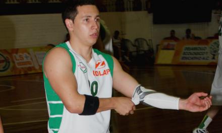 Luis Quintero se recupera con éxito de la cirugía en su rodilla