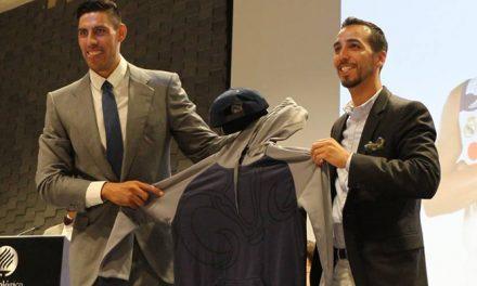 Gustavo Ayón entregó uniformes a los equipos representativos del ITESM Hidalgo