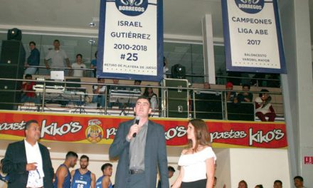 Israel Gutiérrez recibe homenaje en el Tec Hidalgo